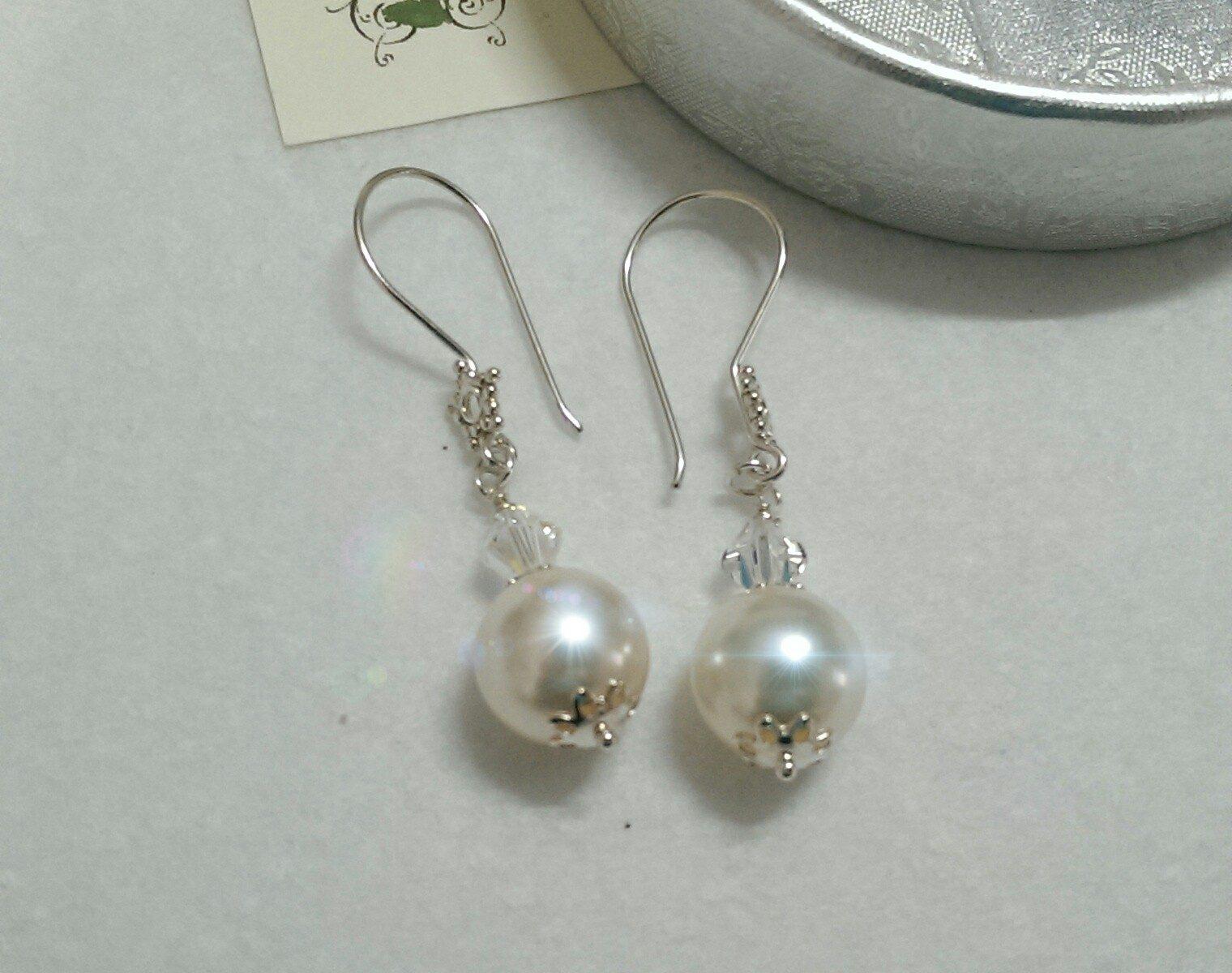 Orecchini pendenti in argento 925 e perle di swarovski