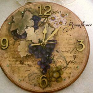 Orologio in legno con dipinto uva fatto a mano con colori acrilici