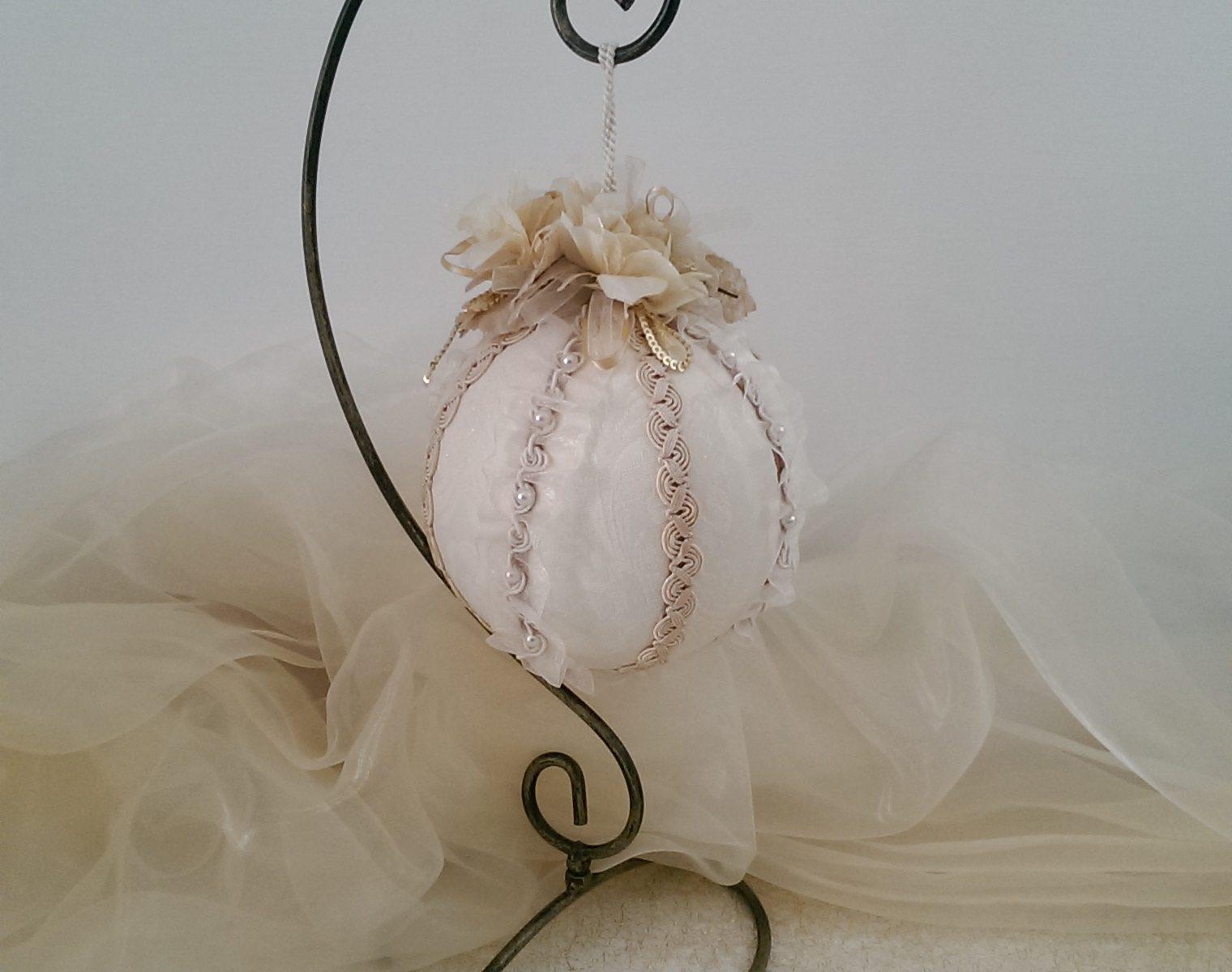 pallina di natale decorata