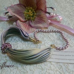 Bracciale rosa di seta e perle di swarovski