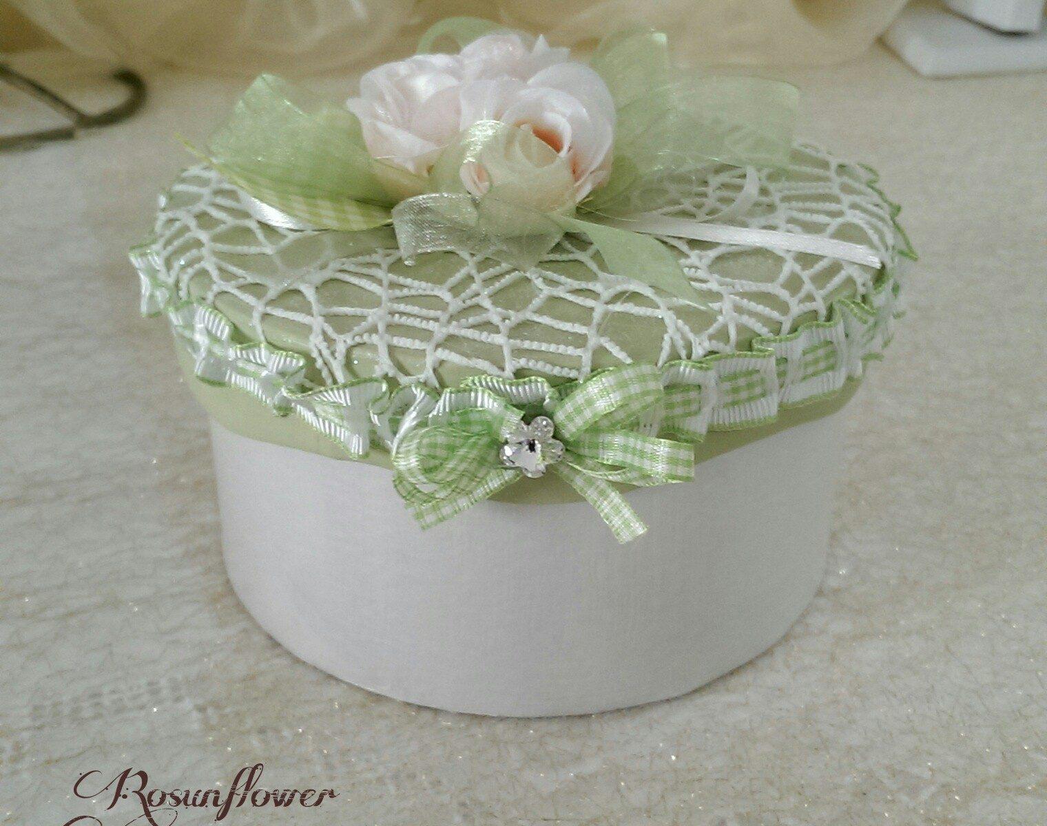 scatola portagioielli verde decorata shabby