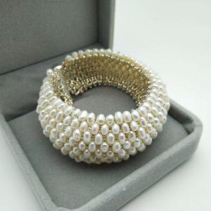 Bracciale a fascia da sposa, fatto a mano con perle di acqua dolce e perline argento,